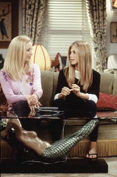 Phoebe and Rachel ~ Friends Season 6, Episode 7: The One Where Phoebe Runs ~ Episode Stills ~ #friendstv #friendsseason6 #friendsepisodestills