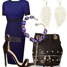 Elegante questo outfit, adatto ad una cerimonia, ad una cena importante, ad un cocktail pomeridiano. Tubino blu con particolari neri. Sandalo nero alto con doppi cinturini alla caviglia, borsa nera in pelle, con borchie e catene dorate. Orecchini a foglia dorate, bracciale con pietre blu.