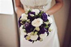 Eggplant, kiwi and ivory bouquet