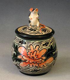 carved mouse jar, pink flower, 18 x 12 cm