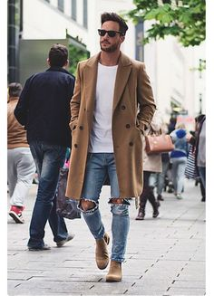 Perfect outfit for fall! Long brown jacket with plain white shirt inside with ragged jeans Men Fashion Casual, Men Winter Fashion, Mens Casual Street Style, Man Fashion, Men's Street Fashion, Men Shoes Casual, Vintage Fashion Men, Men Street Look, Mens Boots Fashion
