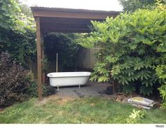 Use a Salvaged Tub to Turn Your Backyard Into a Soothing Oasis | AOL Real Estate