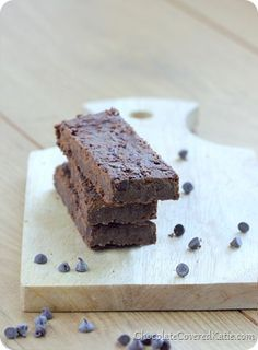 Homemade Fudge Brownie Chocolate Protein Bars -- recipe adapted from black bean brownies (3 P+)