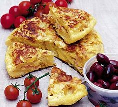 Picnic tortilla - Hot or cold tortillas make a tasty change from sandwiches, in 25 minutes Bbc Good Food Recipes, Egg Recipes, Cooking Recipes, Yummy Food, Quick Recipes, Healthy Food, Fresco, Picnic Foods, Picnic Recipes