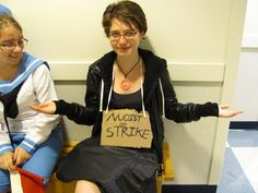 All you need is a sign to be an out-of-work nudist. | 31 Insanely Clever Last-Minute Halloween Costumes