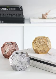 Etch Candle Holder, designed and produced by Tom Dixon. Get The Originals at Scandinavian Style, Scandinavian Interiors, Tom Dixon Etch, Dixon Homes, Interior Inspiration, Design Inspiration, Design Ideas, Geometric Decor, Metal Candle Holders