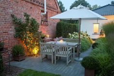 Den Garten für den Spätsommer inszenieren. Late Summer Garden Decoration.