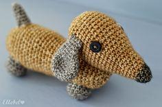 Ellebel: Working hands... maakte deze teckel van Scheepjes Stonewash garen. Het patroon is gratis van het blog Stip & Haak