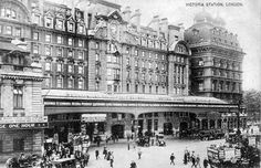 Victoria Station, London, England c 1910