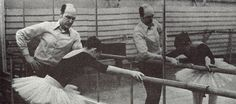 ГЛАВА I. Биография ВГ.Семёнова. 1.1. Знакомство В.Г.Семёнова с классическим танцем. Школа.  ВладленГригорьевичСемёнов родился в Самаре 12 ноября 1932 �…