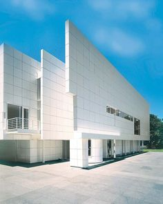 Unbelievable dream house of an art collector by the renowned architect Richard Meier, in Dallas, Texas