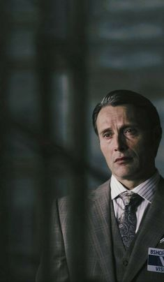 visit - witness of self-harm/ destruction, stop institutionalization Hannibal Lecter, Nbc Hannibal, Movie Photo, I Movie, Gentleman Movie, Hannibal Funny, Hannibal Tv Series, Will Graham, Mads Mikkelsen