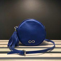 http://l4ove.com/index.php/en/shop/handbags/fl-doux-in-blue-detail