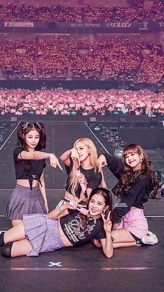 Blackpink in area Kpop Girl Groups, Kpop Girls, Blackpink Wallpapers, Blackpink Youtube, Mode Kpop, Blackpink Video, Lisa Blackpink Wallpaper, Mode Rose, Black Pink Kpop