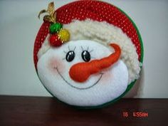 Mogolla nieve Christmas Ornaments To Make, Christmas Fabric, Christmas Deco, Felt Ornaments, Christmas Projects, Xmas, Snowman Faces, Snowman Crafts, Christen