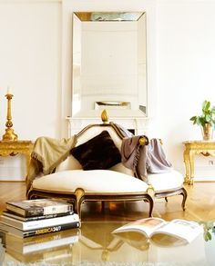 Admittedly, I love settee in all forms. Truly, I haven't met a settee that didn't have potential in most all design aesthetics.