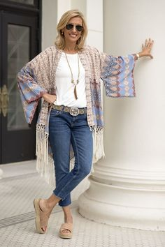 Best Clothing Styles For Women Over 50 - Fashion Trends Fashion For Women Over 40, 50 Fashion, Fashion 2020, Autumn Fashion, Fashion Outfits, Funky Fashion, Petite Fashion, Fashion Clothes, Fashion Tips
