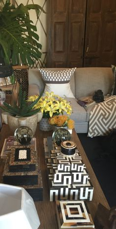 Creative Modern Decor With Afrocentric African Style Ideas Glamour Living Room, My Living Room, Living Room Decor, African Interior Design, Decor Interior Design, Interior Decorating, African Room, African House, African Furniture