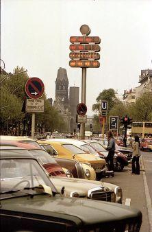 West-BERLIN 1979, Mengenlehre-Uhr am Kurfürstendamm