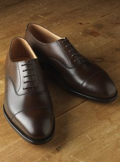The Whitehall Oxford in Antique Brown Cap Toe Shoes, Sock Shoes, Men's Shoes, Shoe Boots, Dress Shoes, Shoes Men, Oxford Shoes Outfit, Women Oxford Shoes, Mens Loafers Shoes