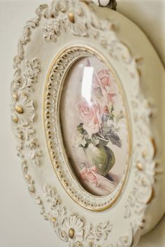 Shabby Chic Pink Paint Styles and Decors to Apply in Your Home – Shabby Chic Home Interiors Romantic Shabby Chic, Vintage Shabby Chic, Vintage Decor, Romantic Cottage, Vintage Ideas, Vintage Frames, Rose Cottage, Shabby Chic Cottage, Shabby Chic Homes