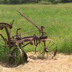 Old farm equipment, that I have never seen!!