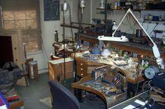 site with great jewelry studio pics