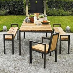 Viva Terra outdoor dining table made with reclaimed wood