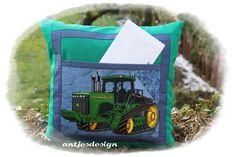 Kissen - Traktor-Kissen John mit Versteck - ein Designerstück von antjesdesign bei DaWanda