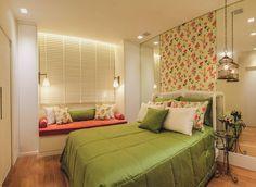 Apartamento Bairro Funcionários : Quartos clássicos por Rosangela C Brandão Interiores