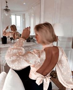 Image about fashion in vogue by Emma 🥃 on We Heart It Flower Girl Dresses, Prom Dresses, Wedding Dresses, Teen Dresses, Midi Dresses, Look Fashion, Fashion Outfits, Fashion Ideas, Fashion Women