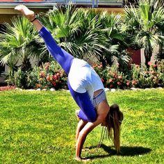 Oh sh*t! Flying Pigeon Pose, Rachel Brathen, Body Is A Temple, Yoga Meditation, Namaste, Yoga Poses, Buddha, Activities, Core