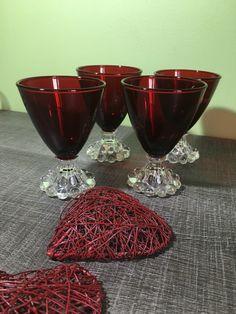 Le chouchou de ma boutique https://www.etsy.com/fr/listing/480863083/verre-a-pied-de-perles-rouge-lot-de-4