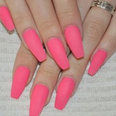 Image via We Heart It #bright #long #matte #nails #neon #pink #@nailsbyeffi