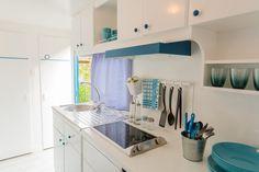 Mobil Home de alquiler en el camping situado en la Costa Dorada. Loft, Cabinet, Navy, Storage, Bed, Furniture, Home Decor, Camper Van, Clothes Stand
