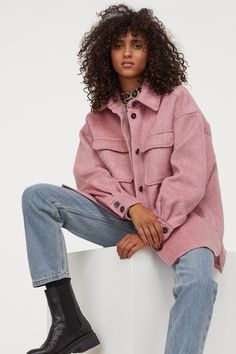 Flannel Jacket, Shirt Jacket, Topshop Looks, World Of Fashion, Girl Fashion, Uni Fashion, Outfits Con Camisa, Heavy Winter Coat, Style Personnel