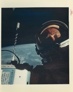 人類初の宇宙「自撮り」、月面着陸の瞬間...NASAの未公開写真がオークションに【画像】