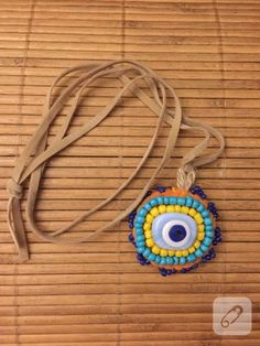 This evil eye bead necklace is so pretty...
