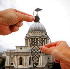 British Photographer Remodels World Famous Architecture Using Paper Cutouts and Forced Perspective Famous Architecture, Forced Perspective, Trafalgar Square, Famous Landmarks, Famous Buildings, Creative Artwork, Foto Art, Cool Walls, Optical Illusions