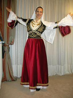 Ελοΐρα - Χειροποίητη Κρητική Φορεσιά στο Ρέθυμνο Κρήτη / Eloira - Handmade Cretan costumes in Rethymno, Crete Greek Independence, Greek Traditional Dress, Gypsy Costume, Greek Culture, Women In History, Belly Dance, Fancy Dress, Greek Costumes, Greece