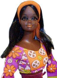 A 1971 Live Action Christie. Barbie's black friend, Christie, made her debut in She was probably made from a mold of Barbie's white friend Midge. Photo by Debbie Behan Garrett. Play Barbie, Barbie I, Vintage Barbie Dolls, Vintage Paper Dolls, Barbie World, Barbie House, Barbie Clothes, Barbie Family, African American Dolls