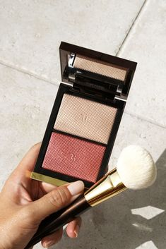 Tom Ford Skin Illuminating Duo in Flicker If you like Fashion Checkout our Roku Channel! Skin Makeup, Eyeshadow Makeup, Makeup Cosmetics, Makeup Brushes, Beauty Makeup, Drugstore Beauty, Luxury Cosmetics, Clean Makeup, Makeup Items