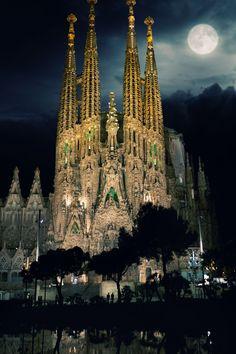 Храм святого семейства, Барселона, неоготика