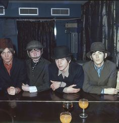 The British rock group 'The Small Faces' poses for a portrait in (L-R) Steve Marriott, Ronnie Lane, Kenney Jones, Ian McLagan. (Photo by Michael Ochs Archives/Getty Images) Kenney Jones, Ronnie Lane, Steve Marriott, The Ventures, Dad Rocks, Pork Pie Hat, Small Faces, British Rock, The Beach Boys