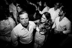 Wedding Trancoso- Bahia- Paradise- Casamento - Wedding- casamento praia - noiva- Bahia - Brasil - casamento dia - bouquet - Fotos: Fernanda Souto e  Ernandes Alcantara