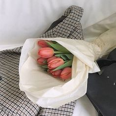43 Ideas For Flowers Boquette Aesthetic My Flower, Beautiful Flowers, Prettiest Flowers, Plants Are Friends, Flower Aesthetic, Peach Aesthetic, Aesthetic Korea, Back To Nature, Aesthetic Pictures