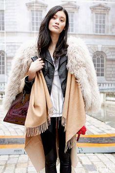 Street style fur layering