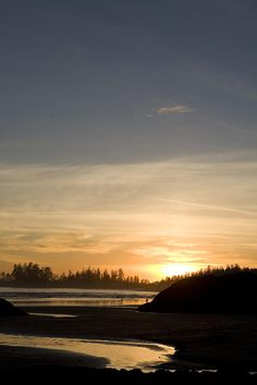 Sunset on Long Beach, in Pacific Rim National Park, Vancouver Island, Tofino, British Columbia_ Canada