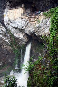 Covadonga, concejo de Cangas de Onís a Astúries, Spain