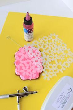 Julia M Usher, Stenciling Cookies Dual-Mode